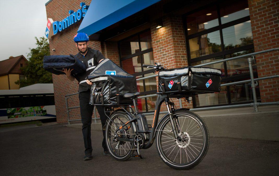 تحویل غذا با استفاده از دوچرخه برقی در حال ترویج است