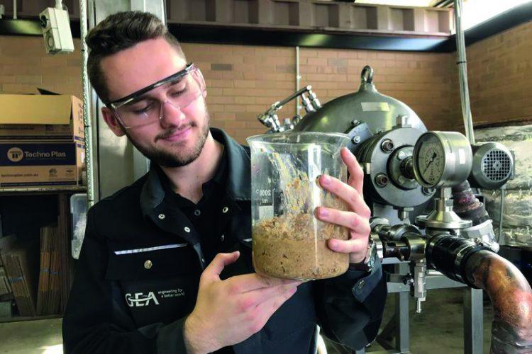 استفاده از حشرات جهت تامین خوراک دام توسط استارت آپ استرالیایی