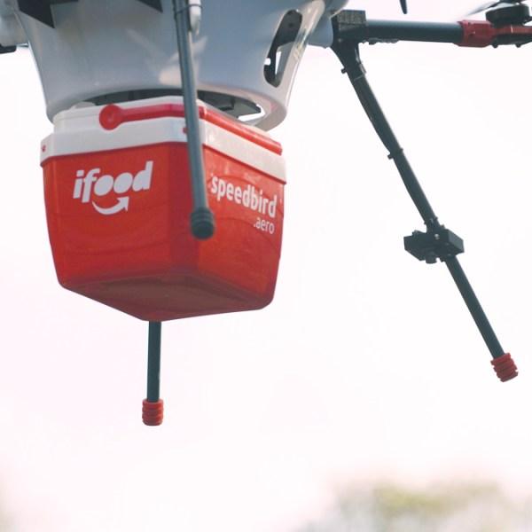 تحویل غذا توسط پهپاد در برزیل