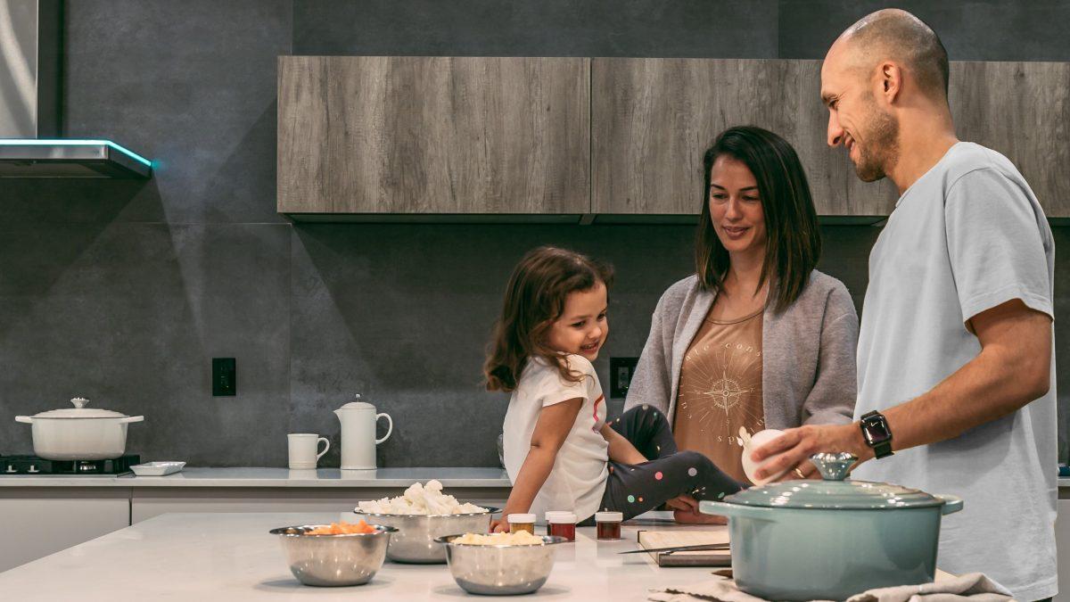 چگونه فرزندان خود را با غذا خوردن آشتی دهیم؟