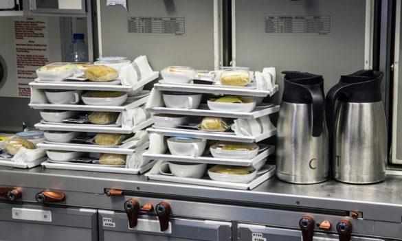 اتلاف مواد غذایی خطوط هوایی